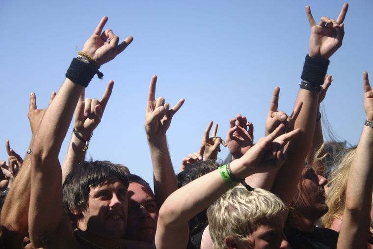 Metal vs. Reggaeton... Sin comparacion!!!