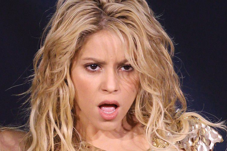 Shakira tiene un video porno y la estan extorsionando