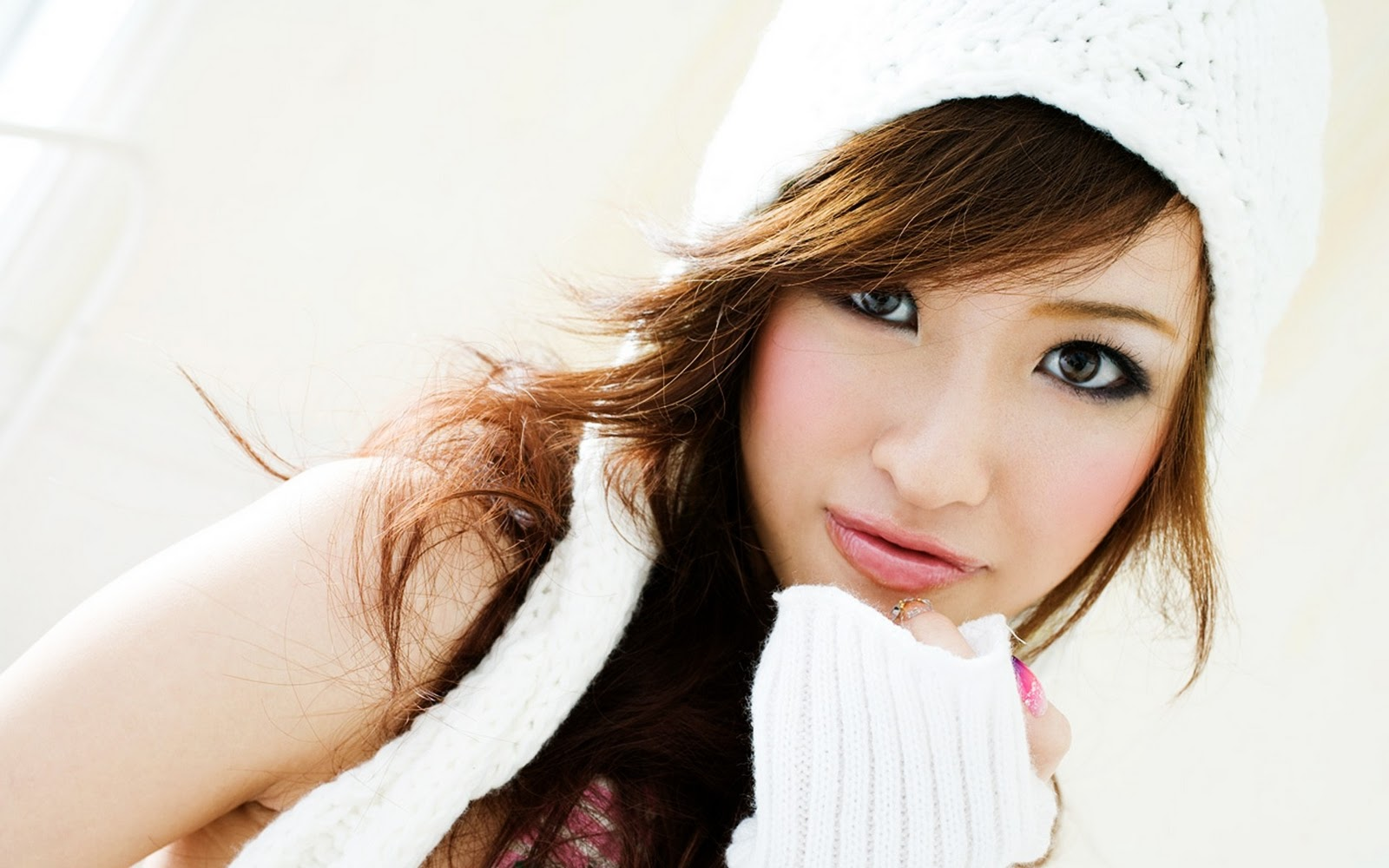 los ojos single asian girls Colombian dating single men  over the years i learn to love the chinese  culture and women inner beauty which is so hard  dicen que los ojos son las  ventan  i'm easy going and can and will be romantic as is the way to most  ladies heart.