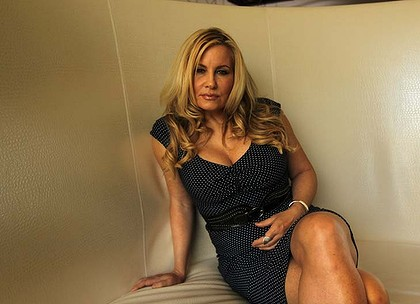 solon cougar women A cougar is typically defined as an older woman who is primarily attracted to and  may have a sexual relationship with significantly younger men although.